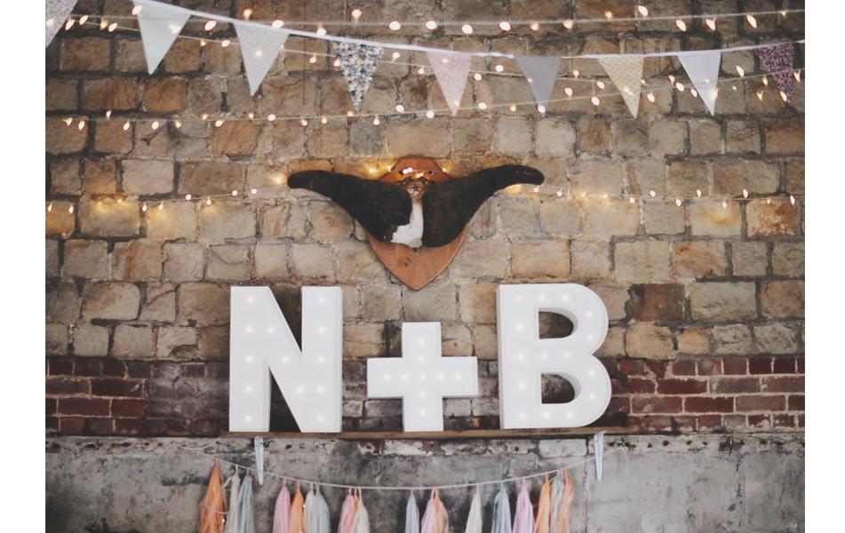 >> Backyard Barn Wedding <<